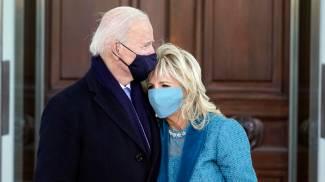 Joe e Jill Biden arrivati alla Casa Bianca (Ansa)