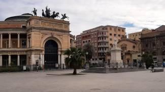 Palermo deserta in zona rossa