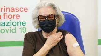 Franca Gazzotti, 85 anni, la prima vaccinata a Bologna tra gli over 85