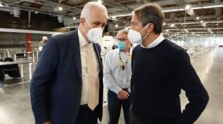 Il presidente della Regione Eugenio Giani con Renzo Berti