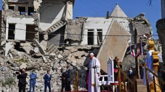 Papa Francesco nel nord di Mosul (Ansa)