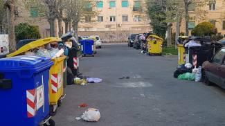 Via Ademollo/Sgarallino, Livorno: immondizia sparsa