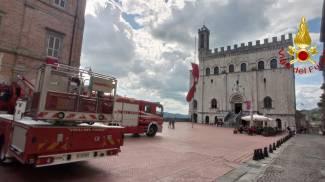 I vigili del fuoco a Gubbio per verifiche dopo la scossa di terremoto
