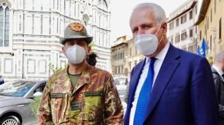 Il generale Figliuolo e Eugenio Giani (foto Foto Gianluca Moggi/New Press Photo)