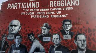 Il murale, dedicato alle vittime dei nazifascisti di Villa Sesso (Reggio Emilia)