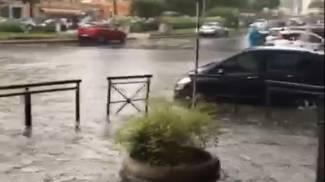 Fermo immagine del video pubblicato sul suo profilo Twitter da Roberto Gualtieri