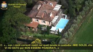 Fermo immagine del video della Finanza di Pesaro sull'operazione 'Cassaforte in famiglia'
