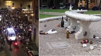 A sinistra folla a Livorno. A destra Pisa: i rifiuti della domenica mattina