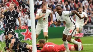 RaheemSterling festeggia il gol alla Germania