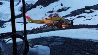 Il Soccorso alpino in azione (Ansa)