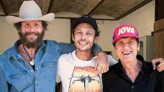 Jovanotti, Valentino e Morandi insieme in occasione della registrazione del video