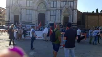 L'inizio della manifestazione in piazza Santa Croce