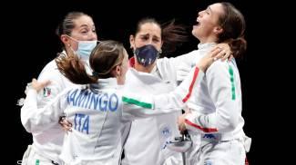 Le ragazze della spada femminile, bronzo a squadre (Ansa)