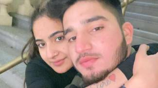 Saman Abbas, 18 anni, con il fidanzato. Ayub Saqib, 21enne