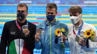 Olimpiadi di Tokyo, il podio degli 800 stile libero (Ansa)