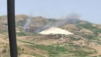 Trapani, le fiamme vicine al Cretto di Burri (Ansa)