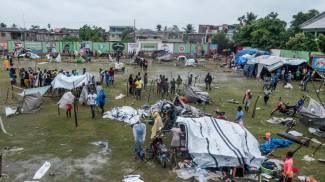 Accampamenti di fortuna ad Haiti dopo il terremoto (Ansa)