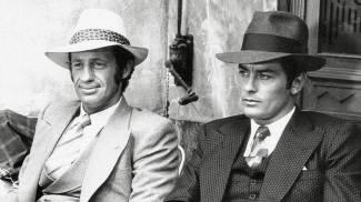 Jean-Paul Belmondo e Alain Delon in una foto di scena del film 'Borsalino' (Ansa)