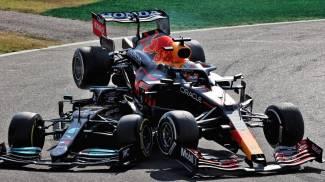 Incidente Hamilton-Verstappen alla prima variante (Ansa)