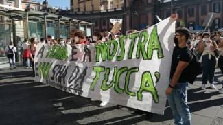Corteo sul clima a Napoli