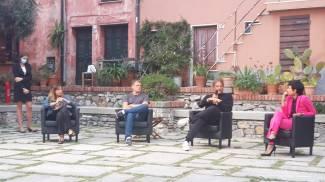Un momento dell'incontro: Barberis e Massini con Agnese Pini e Roberta Della Maggesa