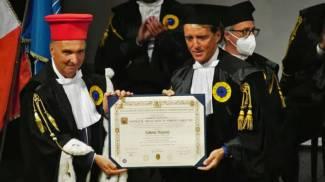 Mancini riceve la Laurea Honoris Causa in Scienze dello Sport dal rettore Calcagnini