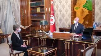Tunisia, la neo-premier Najla Bouden Romdhane con il presidente Kais Saied (Ansa)