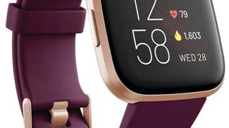 Fitbit - Versa 2 Health & Fitness Smartwatch su amazon.com
