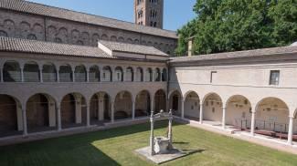 La biblioteca del Centro dantesco di Ravenna