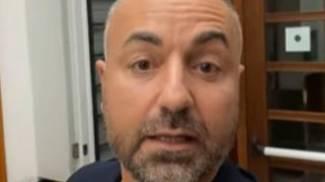 Biagio Passaro, leader di Ioapro, in un fermo immagine dell'assalto alla Cgil (Ansa)