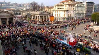 La sfilata di Mezza Quaresima a Bergamo