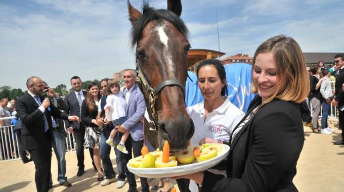 Varenne e le sue candeline molto speciali alla Maura, foto Newpresse